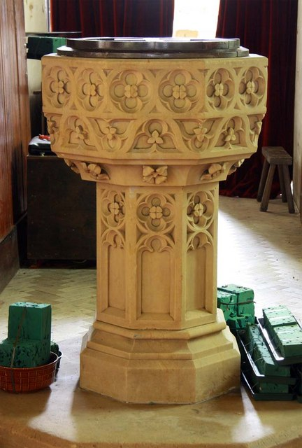 St Mary, Stradsett, Norfolk - Font