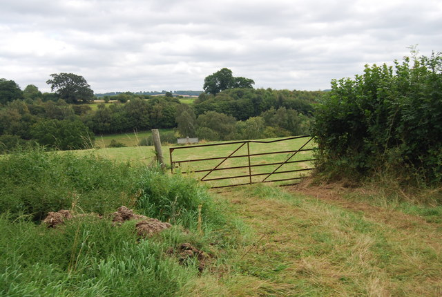 Gate by the Tunbridge Wells Circular Path near Forge Farm