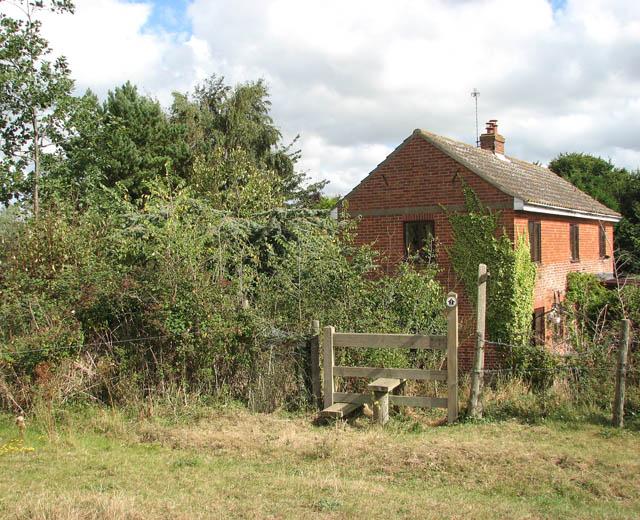 The Wherryman's Way to Heckingham