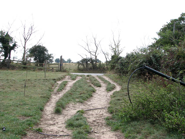 Farm track meets Norton Road