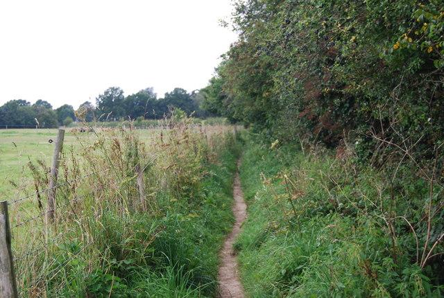 Tunbridge Wells Circular Path heading to Groombridge