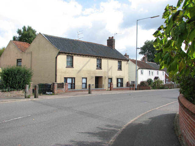 Cottages in Bridge Street