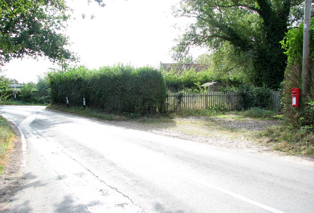 Low Road approaching Claxton Corner