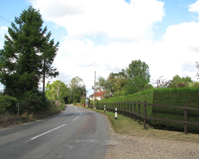 View north along Low Road