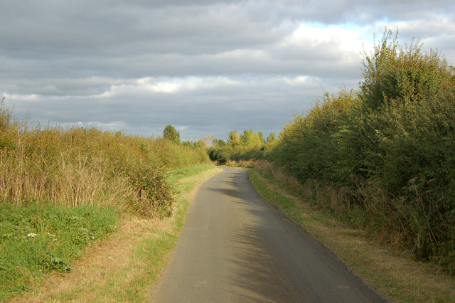 Looking east along the Hill to Grandborough lane