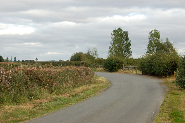 A bend along the lane from Hill to Grandborough