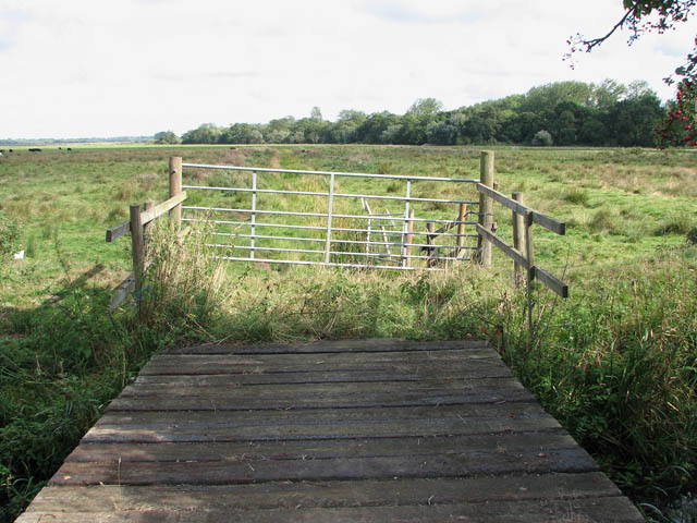 Plank bridge over the Beck