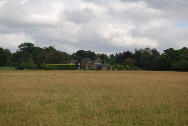 View east towards Park Farm from the Tunbridge Wells Circular Path