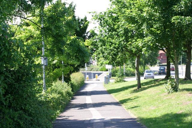Pathway next to Frankie & Benny's  (1)