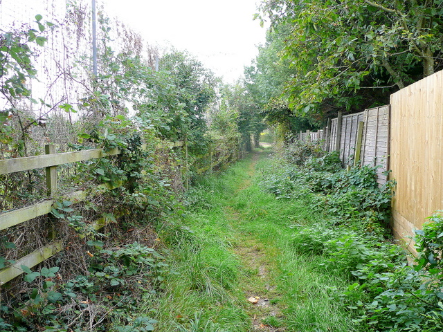 Footpath by the school in Sedgeberrow
