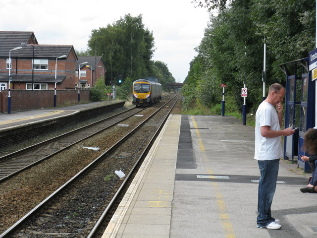 Heading West, Urmston Station
