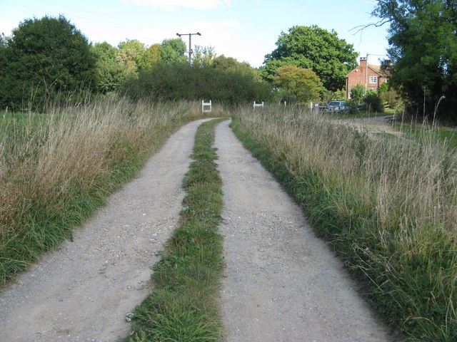 Track to Middle Barn