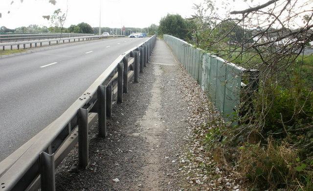 Footpath on Docks Way railway bridge
