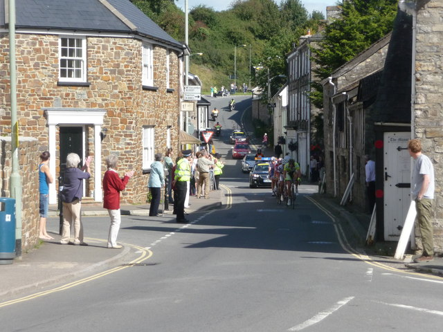 Bampton : Back Street & Tour of Britain Cycle Race