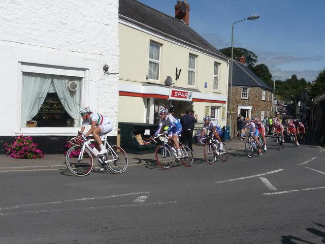 Bampton : Back Street & Tour of Britain Cycle Race
