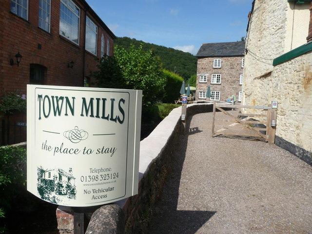 Dulverton : Town Mills Entrance