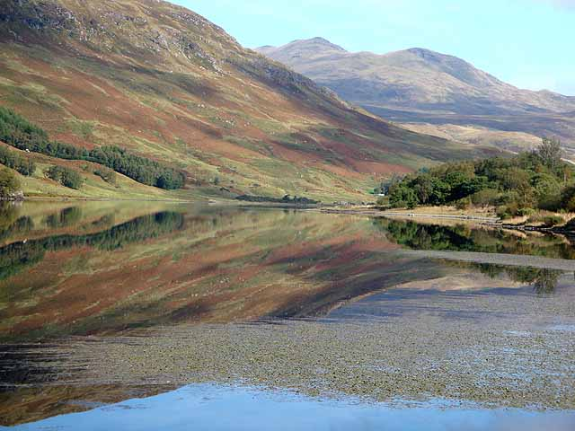Autumn tints on Loch Iubhair