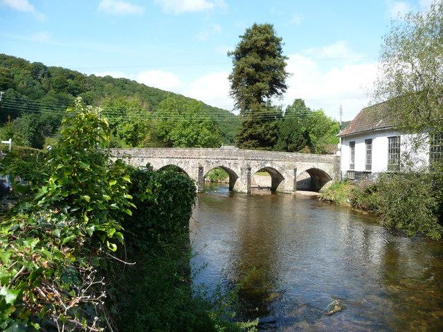 Dulverton : River Barle & Road Bridge