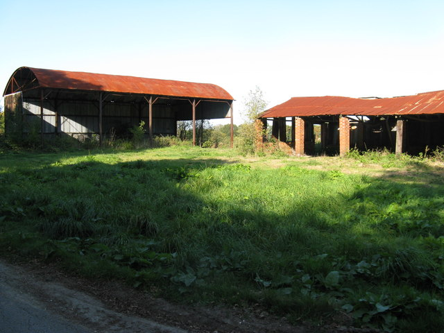 Derelict barns near Waterland Farm