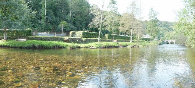 Dulverton : The River Barle & Riverbank