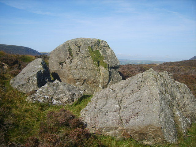 Boulders on Tewit How