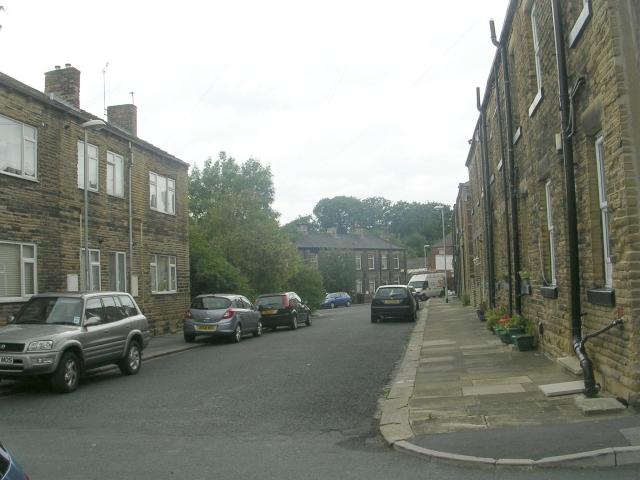 Gillroyd Parade - South Street
