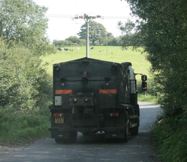 2009 : Lorry on Yellingmill Lane