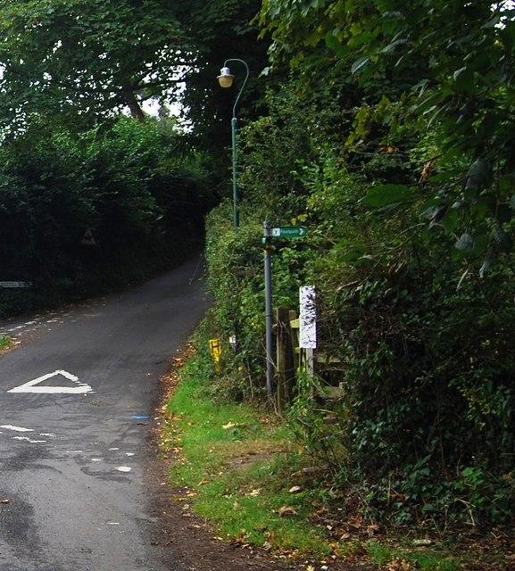 Tunbridge Wells Circular Path signposted off King Toll Rd & Romford Rd