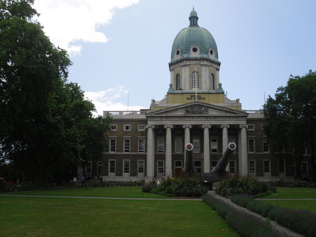 Imperial War Museum – view of the front