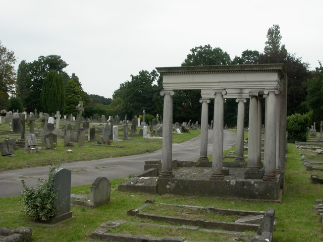 Parkstone Cemetery, monument