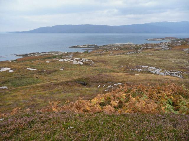 Coastline north of  Portnacloich Point
