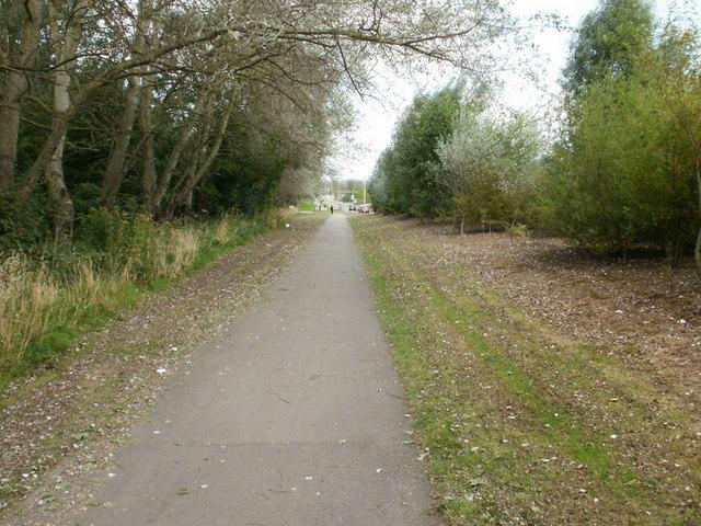 Footpath beside Docks Way