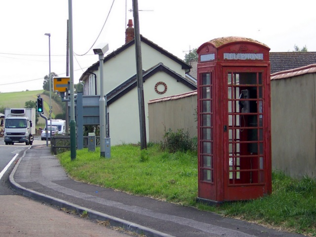Telephone box, Winterbourne Stoke