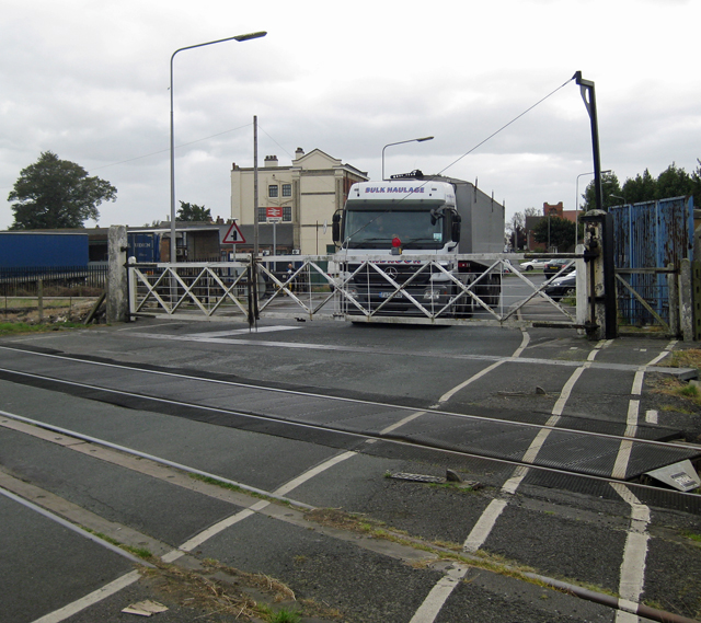 New Holland Level Crossing
