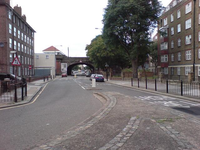 Sutton Street, E1