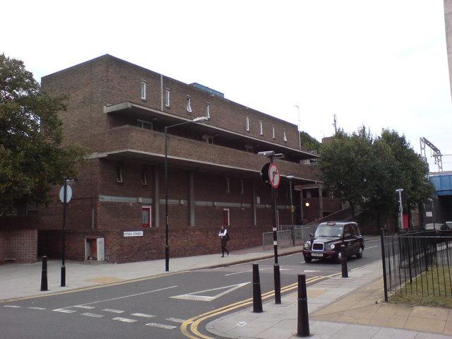 Pitsea Street, E1