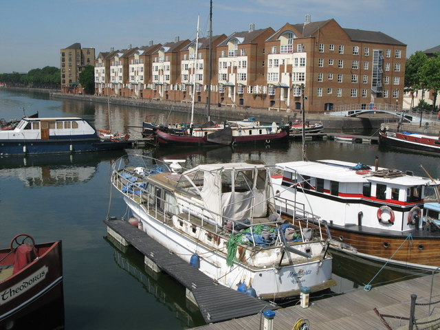 Boats in Greenland Dock (2)