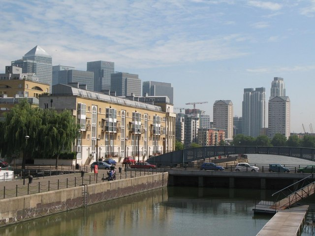 The lock of Greenland Dock
