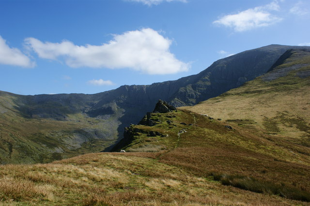 Approaching Cwm Moch