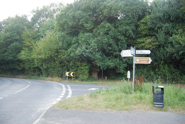 Road junction, Ide Hill