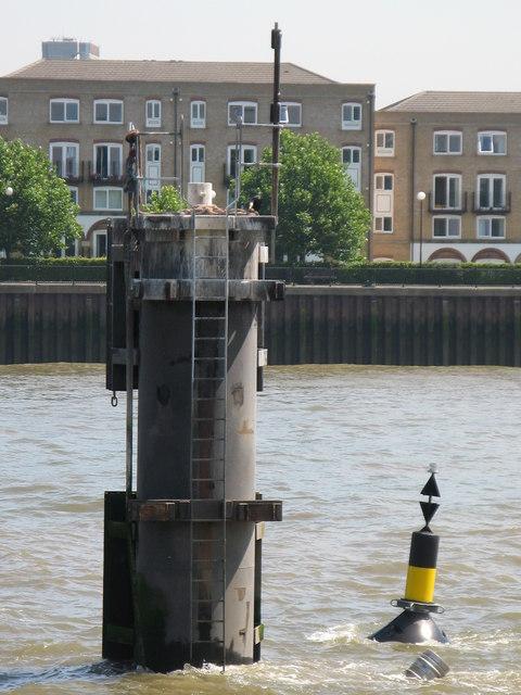 Navigation hazard in the River Thames off Deptford Strand, SE8