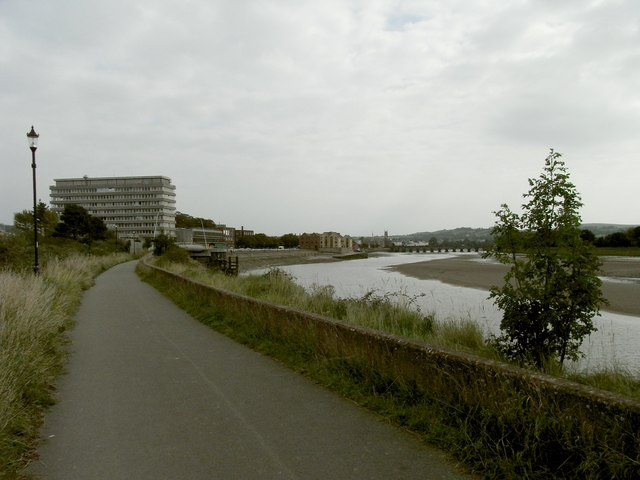 The Tarka Trail approaching the Civic Centre on the Taw Estuary