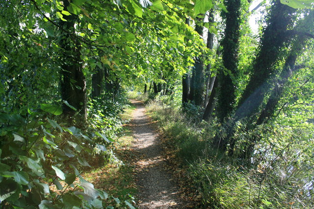 Path beside the Stour