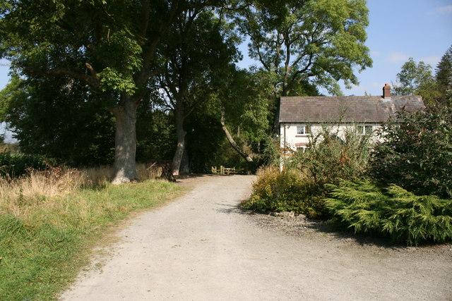 Footpath near Stoke Wood