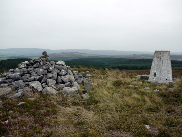 Cold Law cairn and trig point