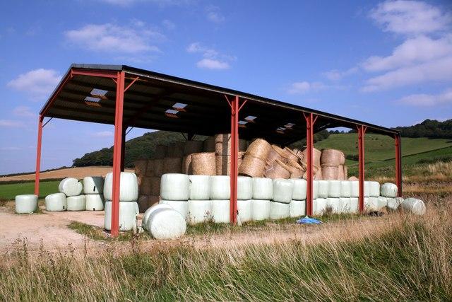 Barn near Stoke Wood