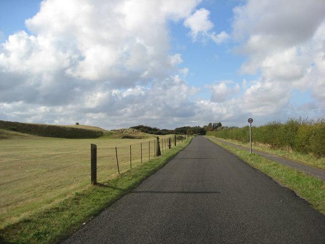 Gibraltar Road running adjacent to Seacroft Golf Course