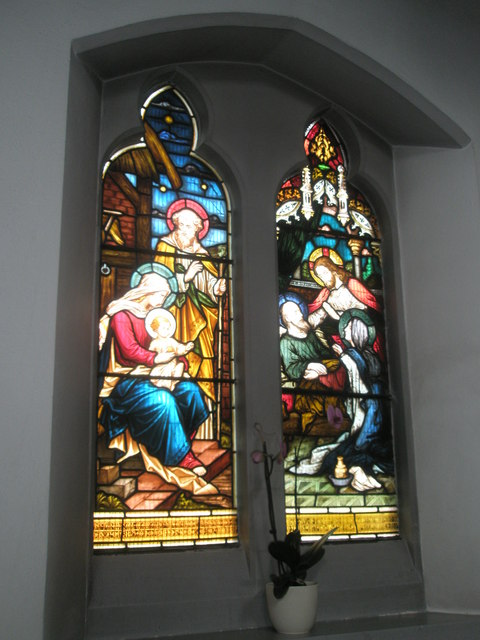 Stained glass window on the north wall at Sacred Heart RC Church, Fareham (4)