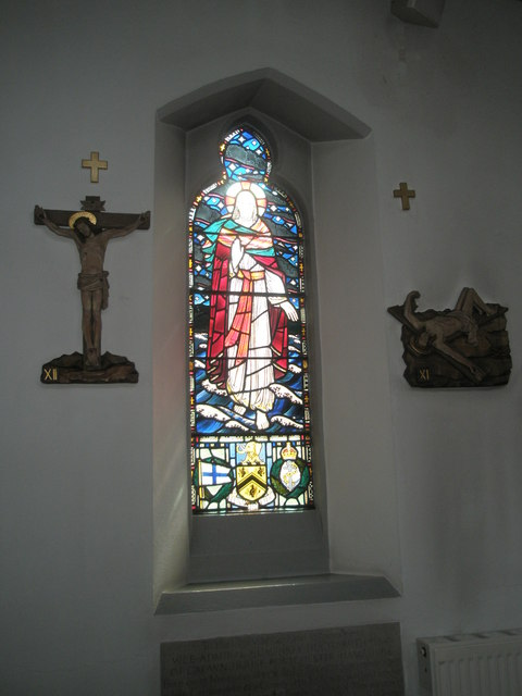 Stained glass window on the south wall at Sacred Heart RC Church, Fareham (2)