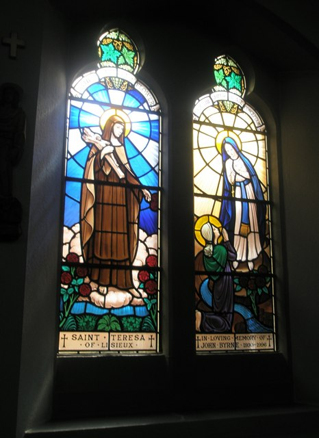 Stained glass window on the south wall at Sacred Heart RC Church, Fareham (3)